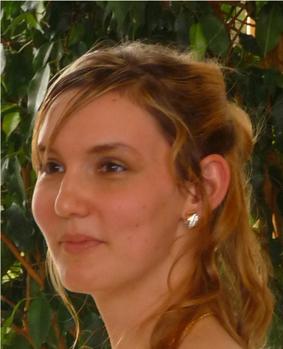 Isabelle Aubert… Vous avez demandé la police ?