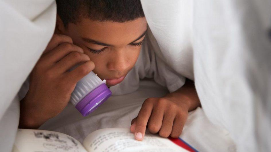 Lire un livre à ses enfants